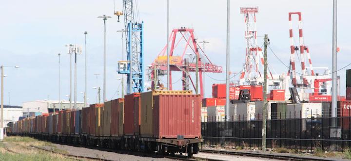 Port of melbourne train Victoria's freight hub