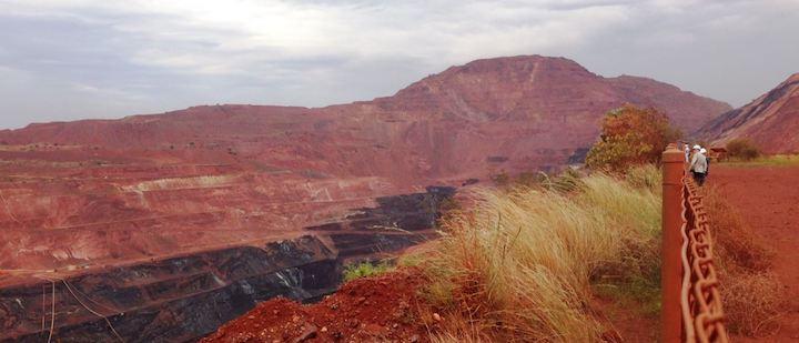 iron-ore-mine-tom-price-pilbara.jpg